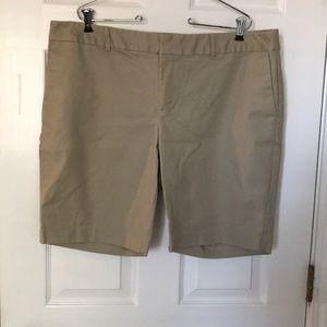 Liz Claiborne Emma Style Khaki Shorts Sz 18